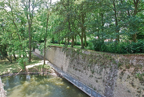 Anciennes fortifications de la vieille ville d 39 ypres belg for Piscine ypres photo