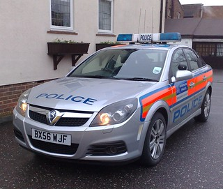 MET POLICE VECTRA (2) | by NW54 LONDON