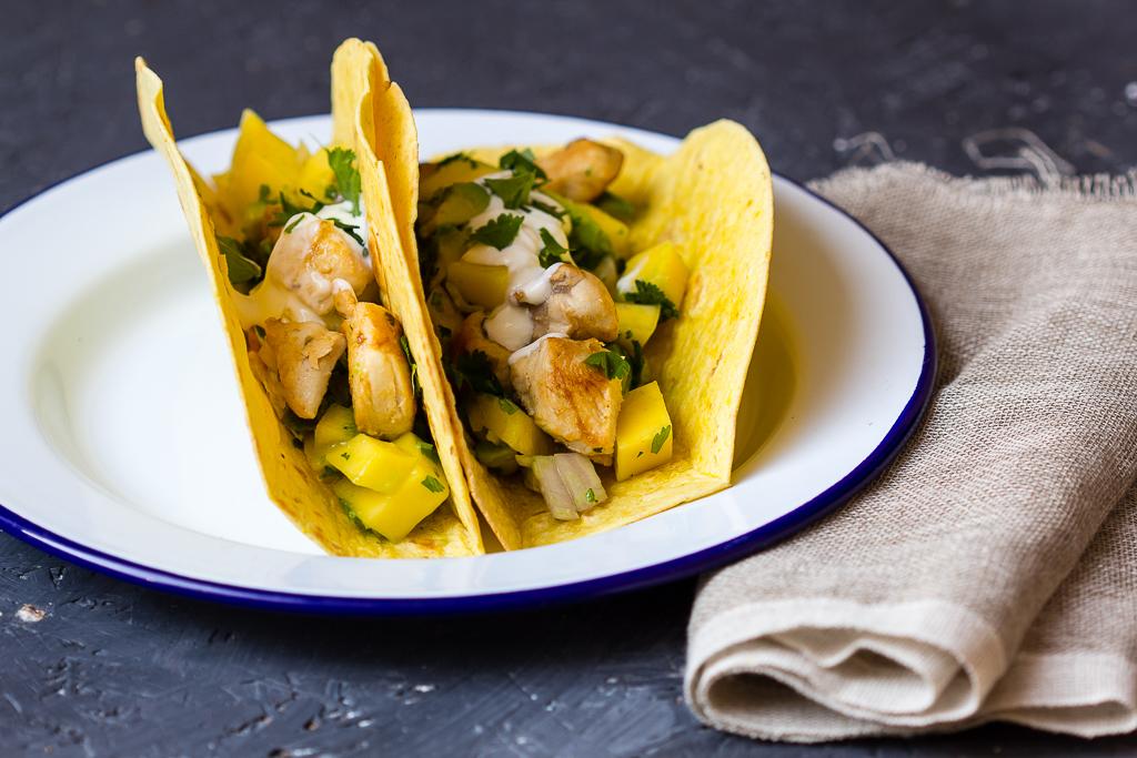 Tacos mit Hähnchen und Mango Avocadosalsa via lunchforone