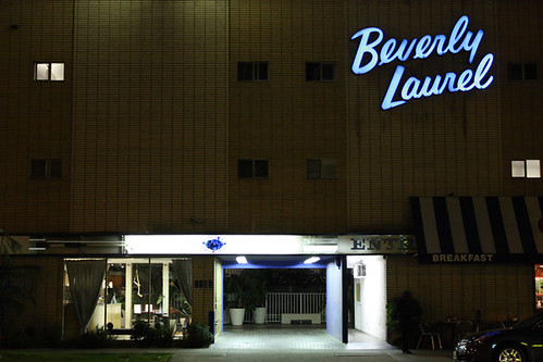 Beverly laurel motor hotel hollywood ca entrance to for Beverly laurel motor inn