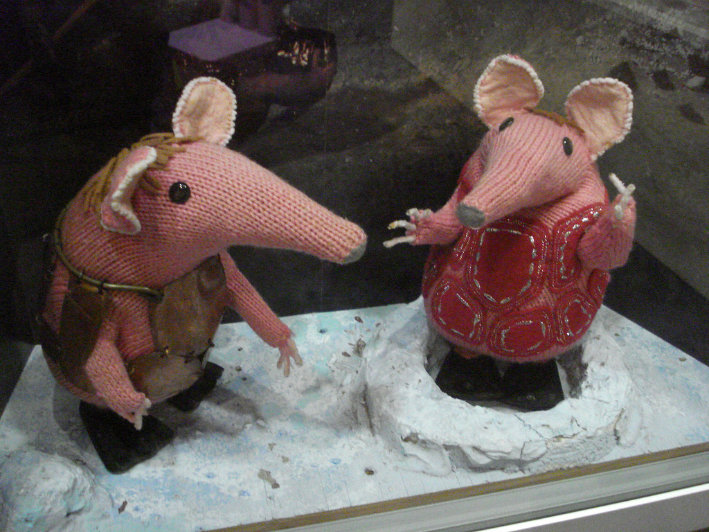 Clangers   Small Clanger and Tiny Clanger, in close-up ...