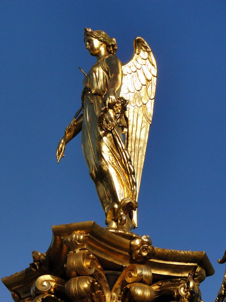 Nike Greek Goddess Of Victory Symbol