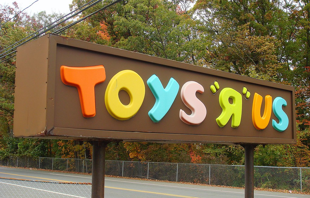 Toys R Us Sign : S toys quot r us sign in nanuet a brown clad and