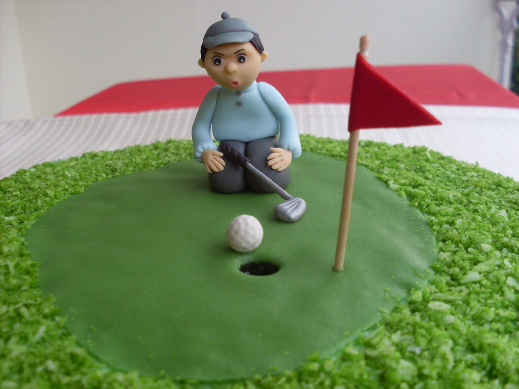 Cake Images Ramesh : Uncle Ramesh s Golf Birthday Cake - 30-1-2010 Closeup of ...