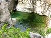 Grande vasque de la Sainte-Lucie à contourner par l'amont dans l'accès 1