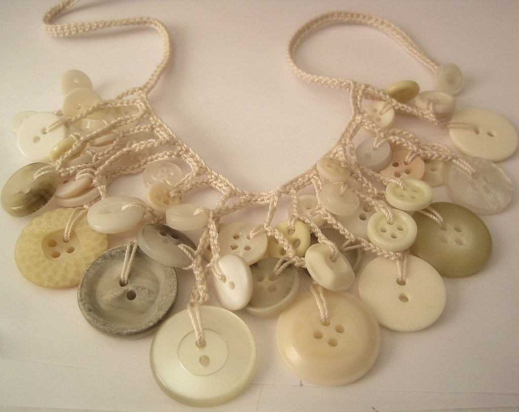 Ivory crochet button necklace | Crochet by me pattern from w ...