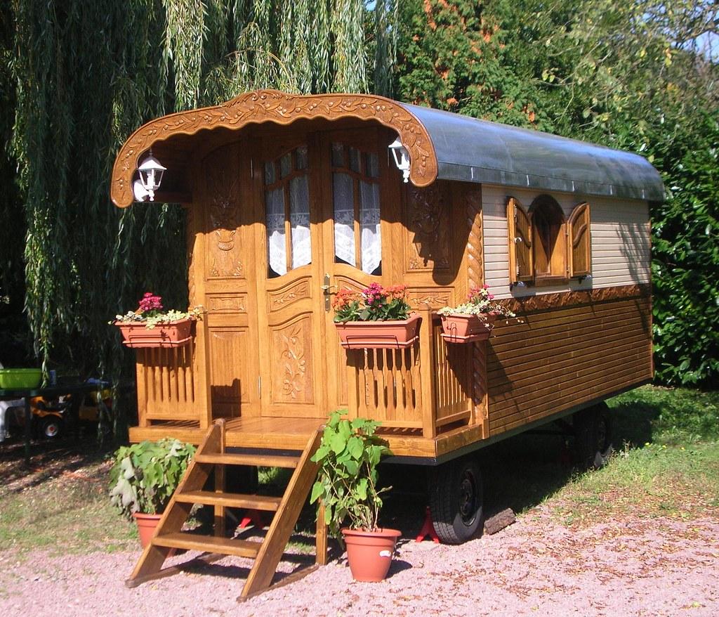 roulotte gypsy home roulottes gypsy home roulotte sur. Black Bedroom Furniture Sets. Home Design Ideas