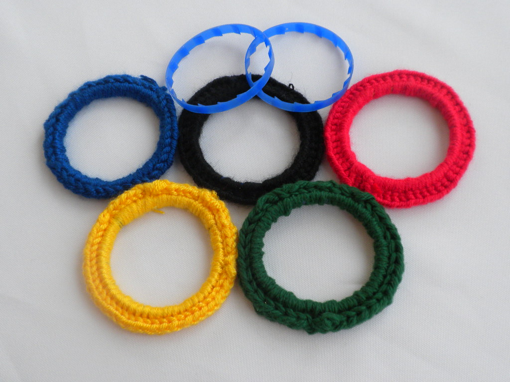 Milk jug rings yarn olympic cheer in the kids 39 craft for 3 inch rings for crafts