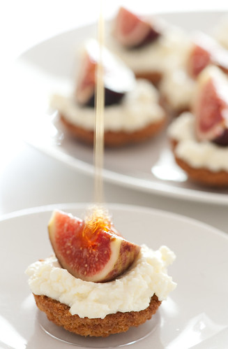 fig tarts drizzled with honey | by jules:stonesoup
