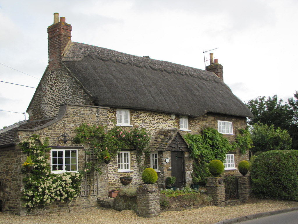 Cotswold thatched cottage sandy lane wiltshire cotswold flickr - The thatched cottage ...