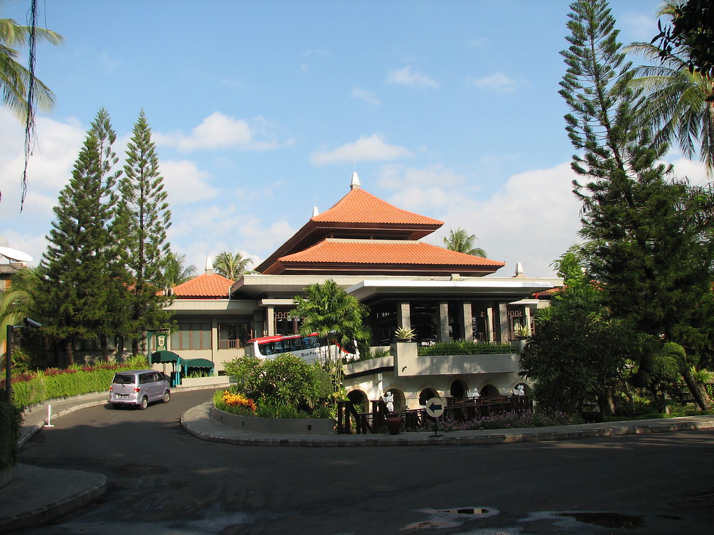 Bali dynasty hotel kuta bali bali dynasty hotel kuta for Bali accommodation recommendations
