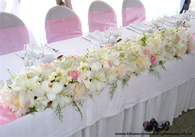 flower for wedding table bridal table flowers bridal table arrangement of orchids 4171