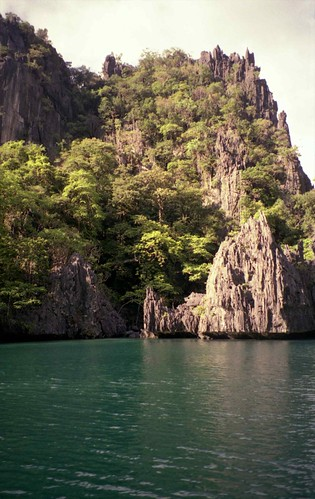 Cliffs; Miniloc Island, near El Nido, N Palawan, Philippines | by Lon&Queta