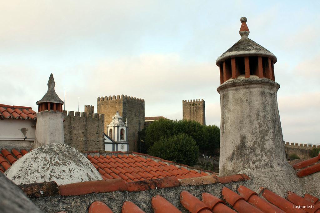 Des cheminées bien de style portugais