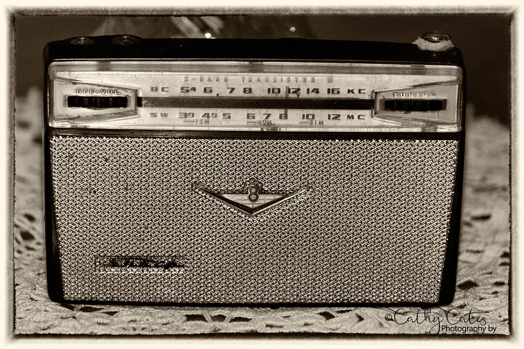 Sharp Transistor Radio