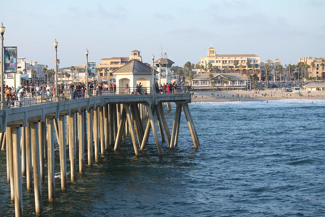 how to get to huntington beach pier