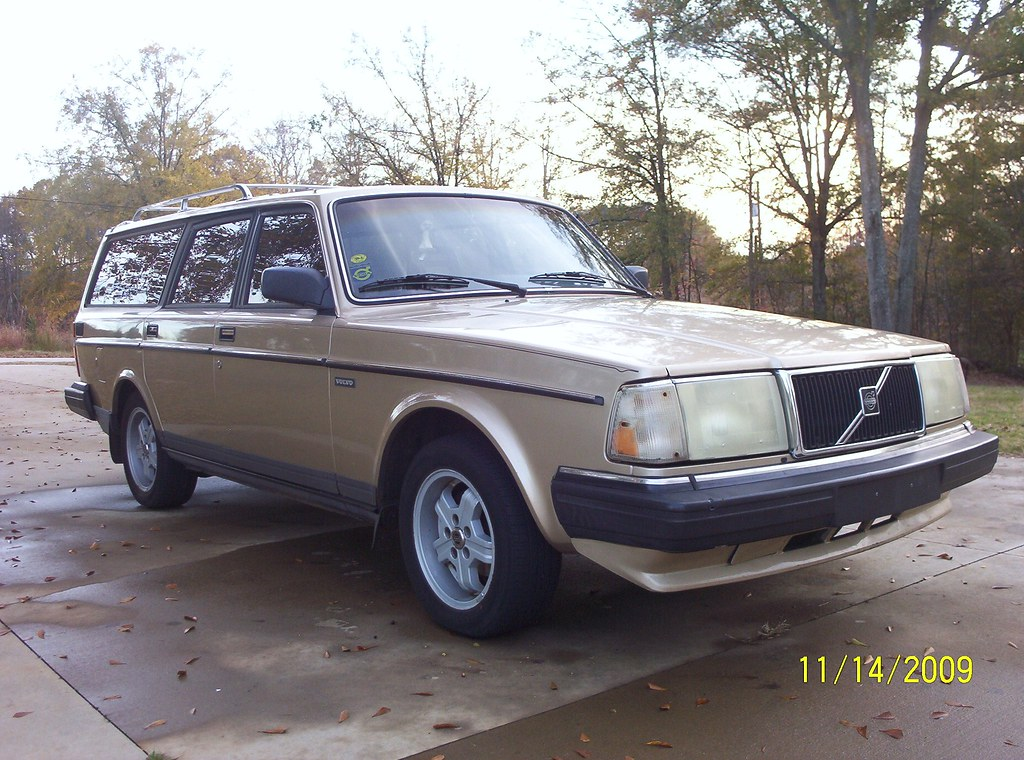 1988 Volvo 240 We Had Beautiful Fall Weather Today It