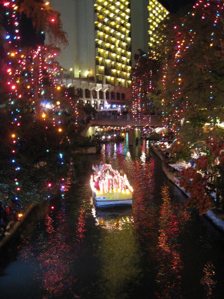 San Antonio Riverwalk Ford Holiday River Parade Amp Lightin