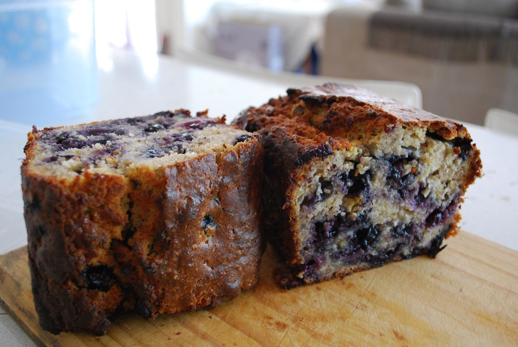 Blueberry Cake And Sauce Recipe