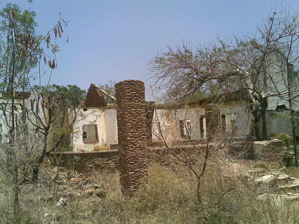 Gwaai river hotel zimbabwe gwaai river hotel destroyed for Mirror zimbabwe