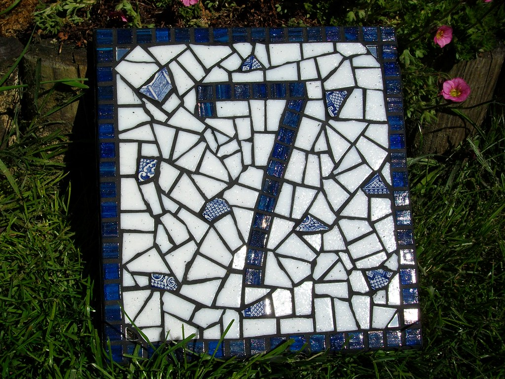 Mosaic House Number Number 7 Gold Vein Vitreous