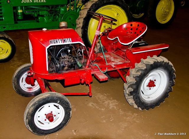 mighty mite tractors antique bing images. Black Bedroom Furniture Sets. Home Design Ideas