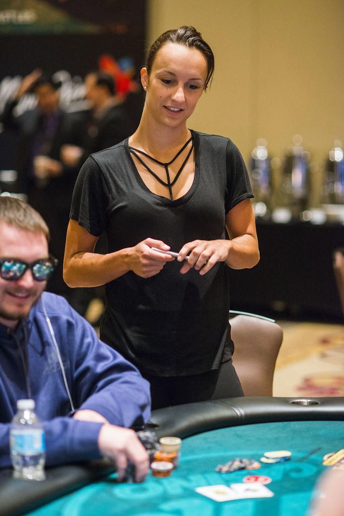 Bluffave poker