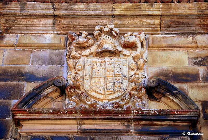 Escudo de armas en la fachada de la Casa de los Cañones, Liérganes - Cantabria