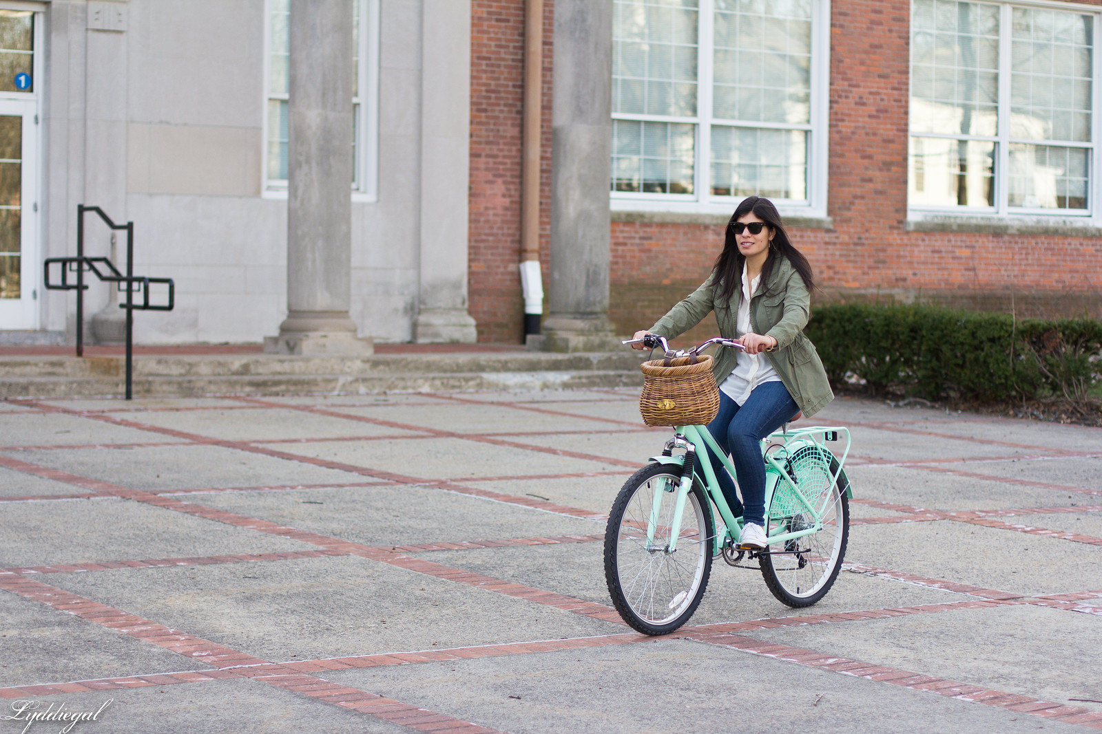 bike riding outfit, white shirt, green field jacket, white converse-4.jpg