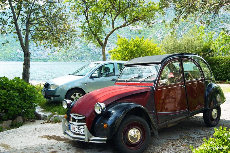 Автомобили в Боке Которской