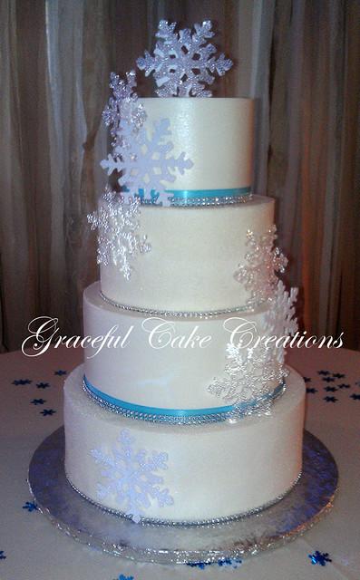 Elegant Christmas Wedding Cake with Snow Flakes | Flickr ...
