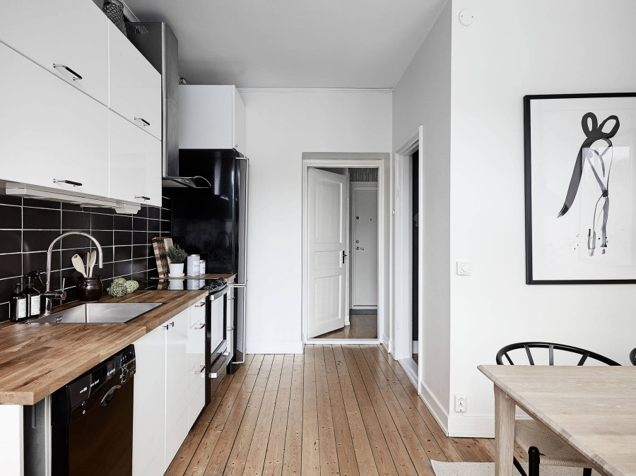 A Very Simple but Lovey Scandinavian Apartment