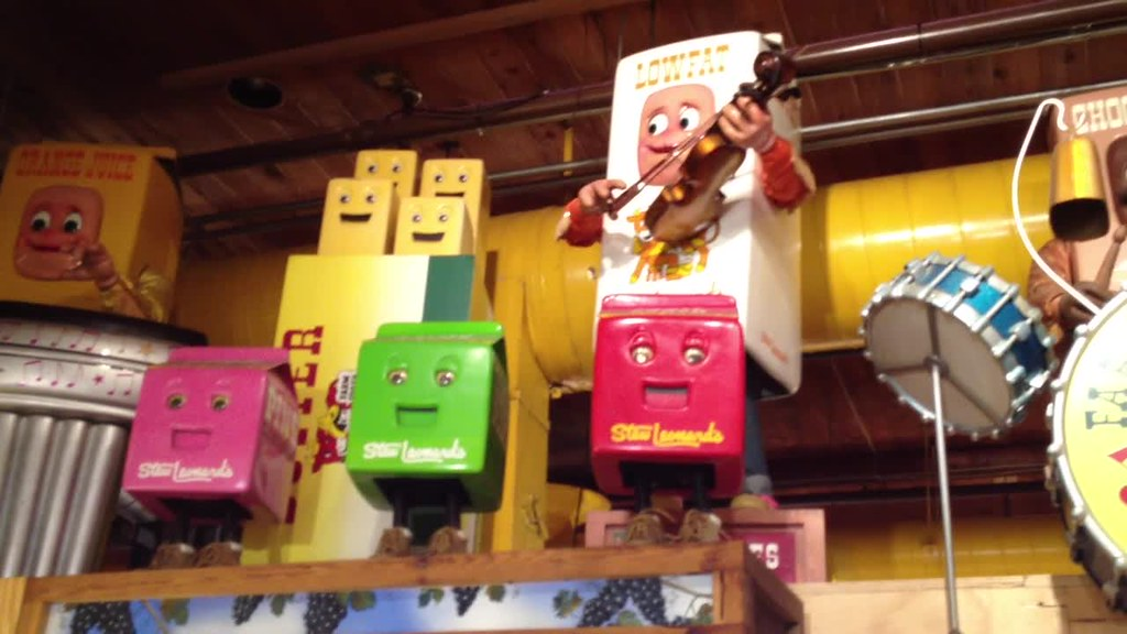 Farm Fresh Five Singing Animatronic Dairy Products At