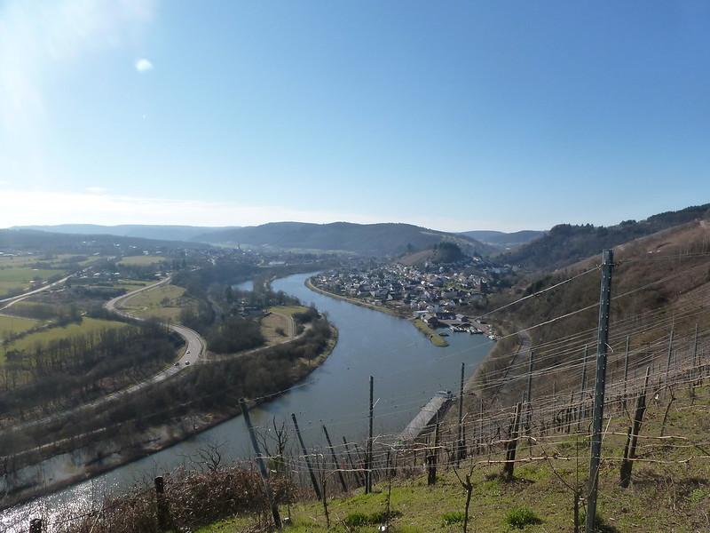 Blick auf Saar und Saarburg vom Warsberg