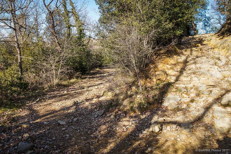 Curva cerrada del camino que va de Cantonigròs a La Foradada