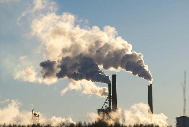 tehtaiden savupiiput