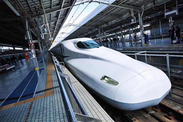 20170331_10_新大阪駅と新幹線
