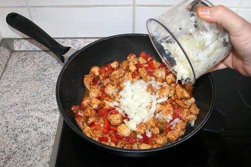 31 - Zwiebel dazu geben / Add onion