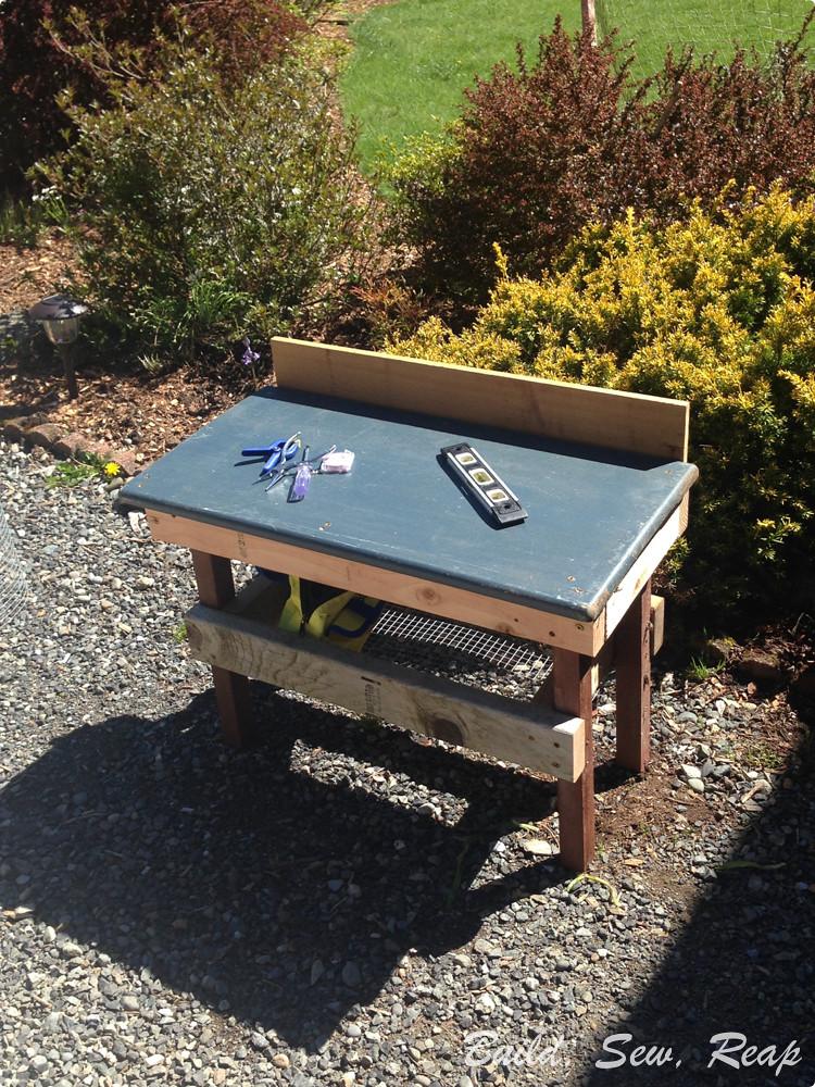 Mini Tool Bench - 1