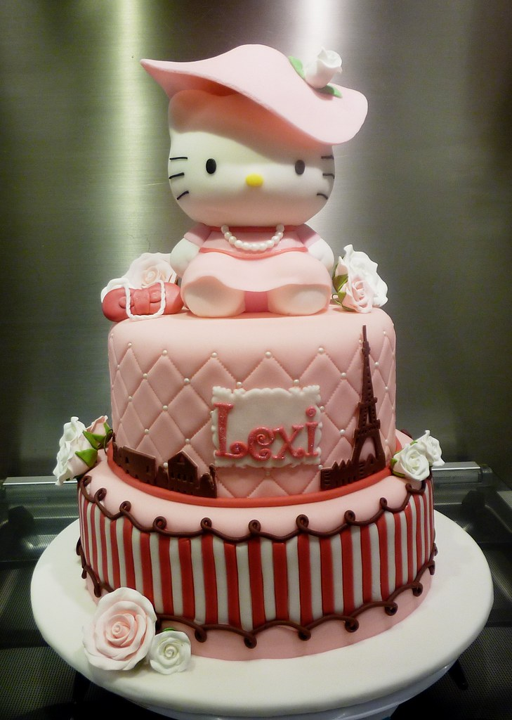 hello kitty paris cake Little