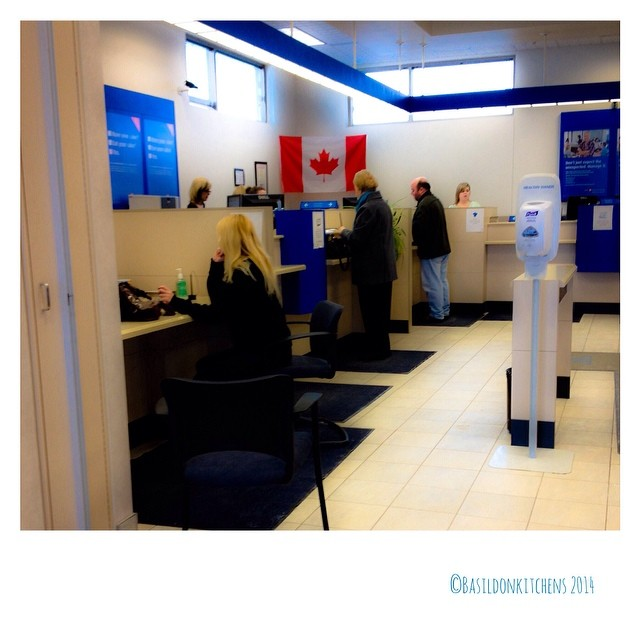 19/2/2014 - waiting {...in line at the bank} #photoaday #waiting #bank