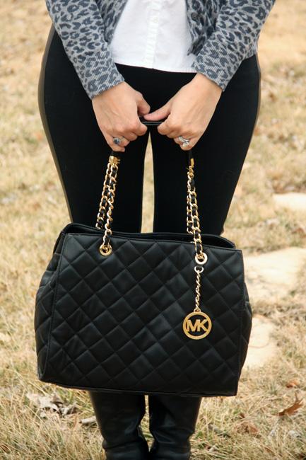 Close-up-of-purse