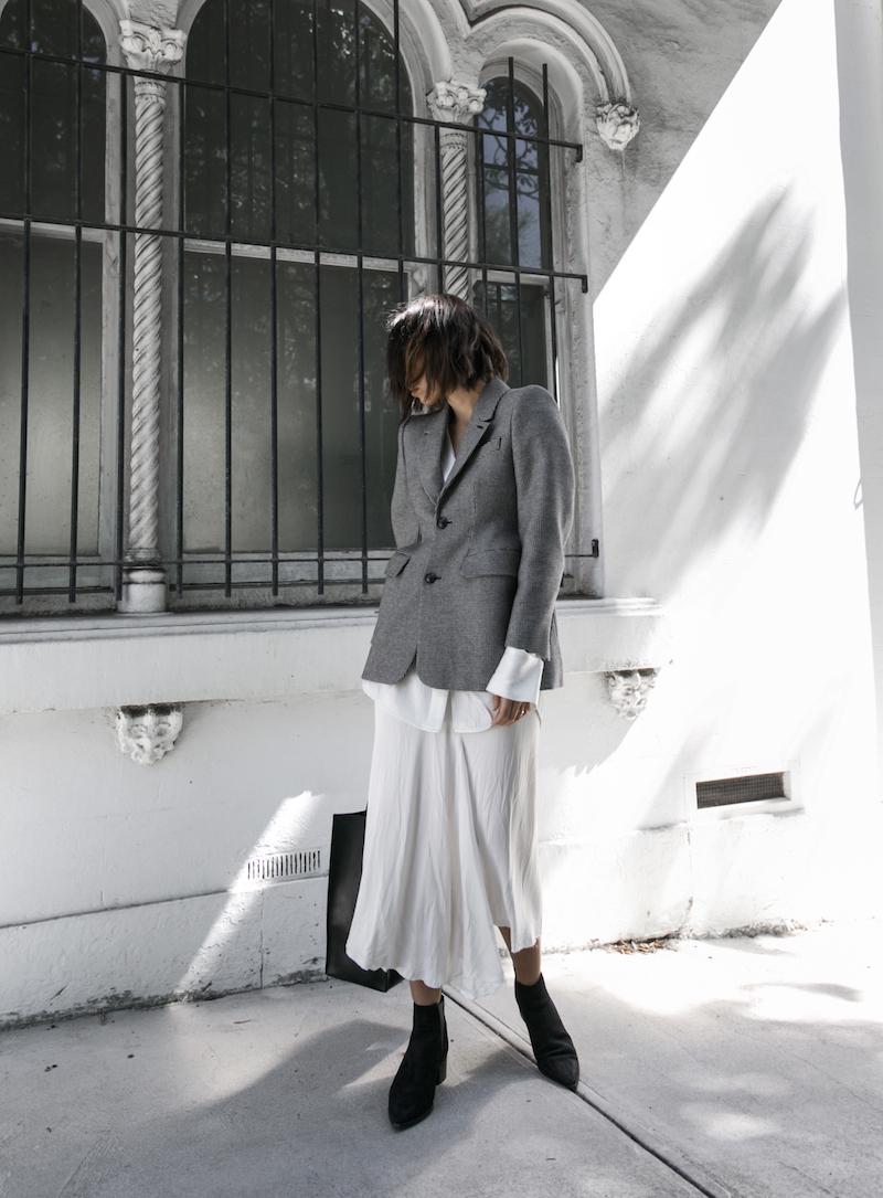 balenciaga houndstooth blazer street style trend grey white minimal fashion blogger modern legacy Acne Studios Jensen ankle boots Givenchy logo tote  (14 of 15)