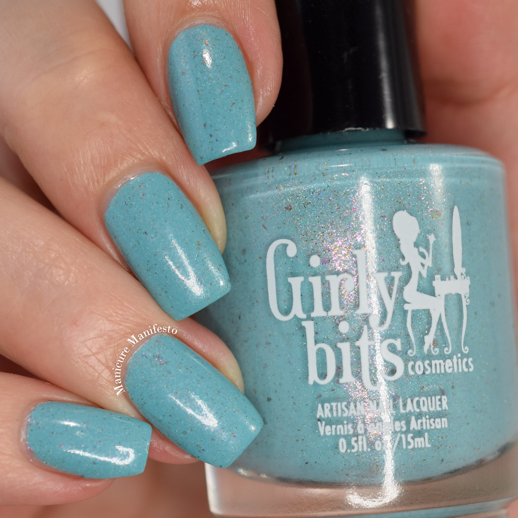 Girly Bits Robin Me Blind swatch