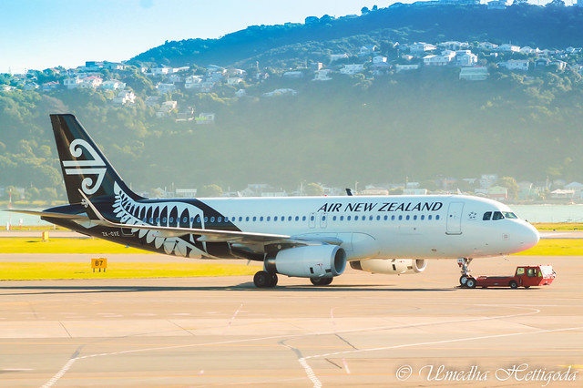 Air New Zealand Airbus A320-232WL ZK-OXE