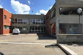 Torre a Mare. Scuola Mameli front