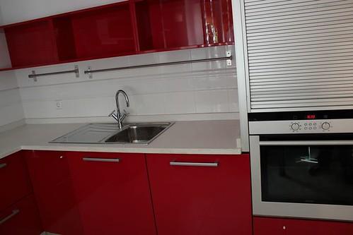 Dise o de cocinas en aranjuez cocina moderna lacado rojo m for Diseno de cocinas 3d gratis