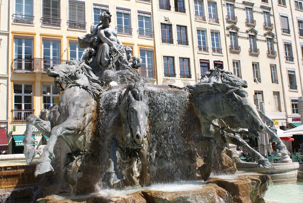 fontaine de la place des terreaux a lyon guide de voyage vanupied flickr. Black Bedroom Furniture Sets. Home Design Ideas