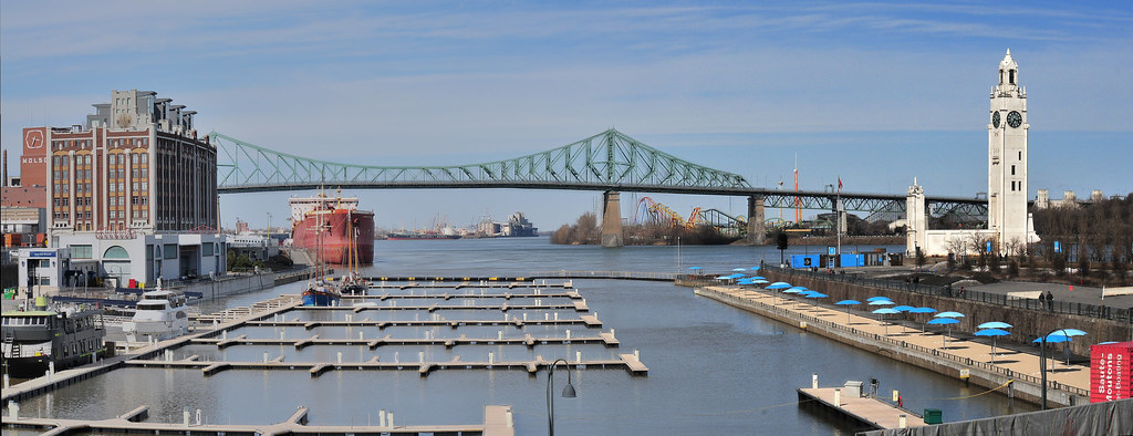 The Jacques Cartier Bridge over the St. Lawrence River, Montréal