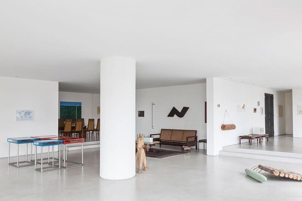 Apartment art in São Paulo by Brazilian architect Felipe Hess Sundeno_15